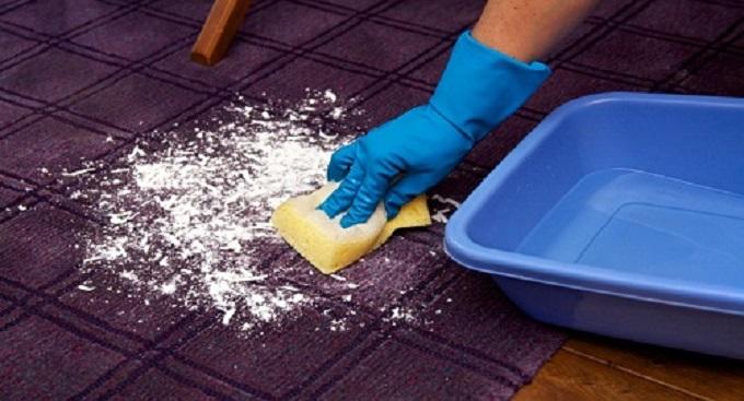Shampoo per tappeti fatto in casa ricetta naturale - Lavare tappeti in casa ...