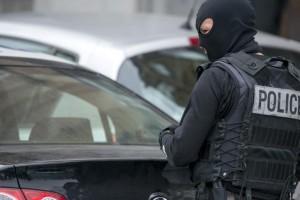 Due gli artificieri arrestati a Bruxelles per la strage di Parigi. La Francia lancia raid contro l'Isis su Raqqa…